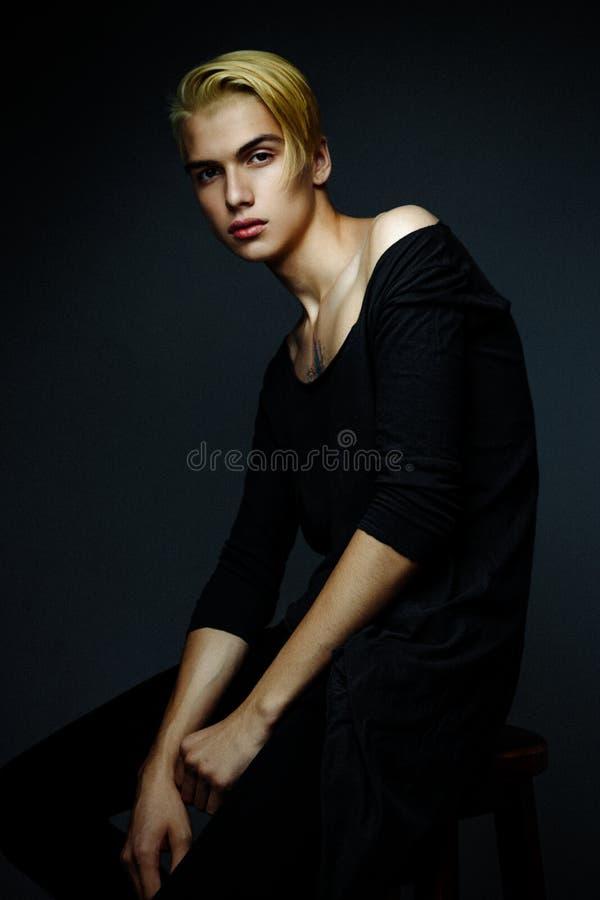 mężczyzna blond przystojni potomstwa zdjęcia royalty free