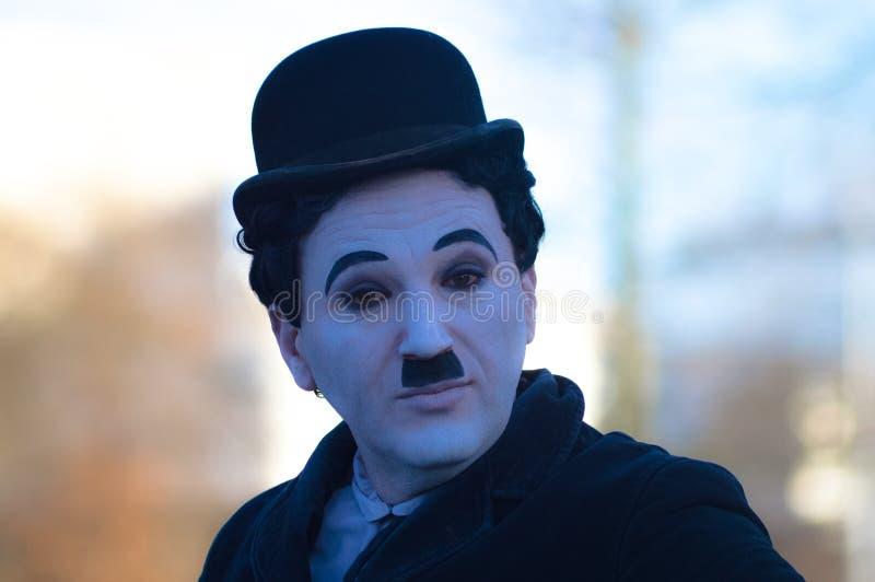 Mężczyzna charakteryzujący jako Charles Chaplin obrazy royalty free