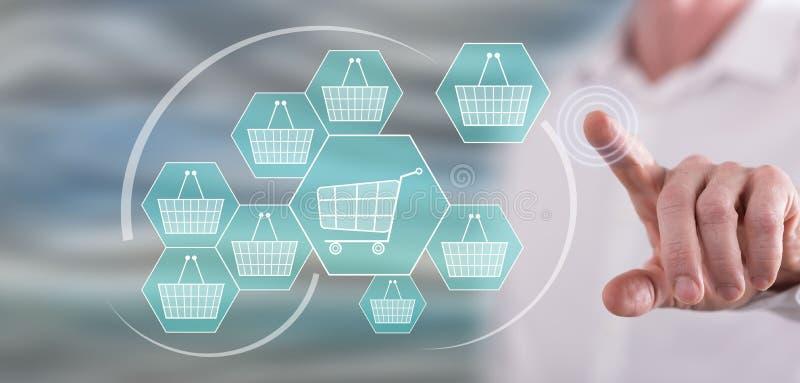 Mężczyzna dotyka online zakupy pojęcie zdjęcie stock