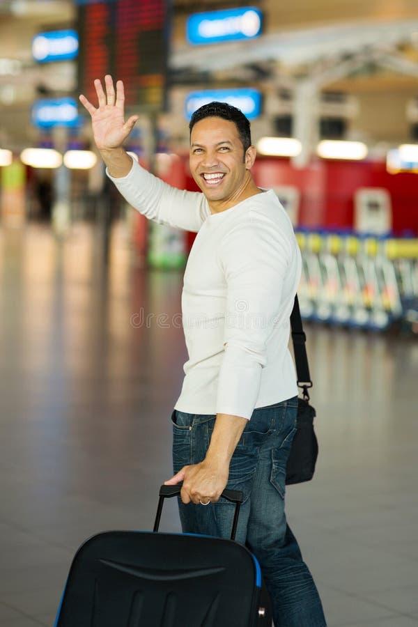 Mężczyzna falowania lotnisko do widzenia obrazy stock