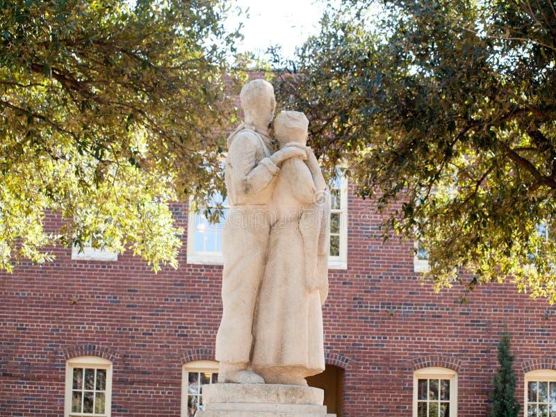 Mężczyzna i kobiety w betonie zdjęcie royalty free