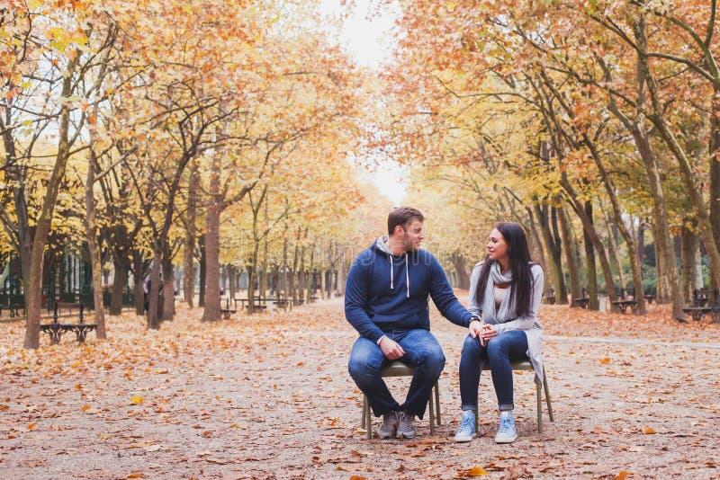 Mężczyzna i kobiety związek, rodzinna psychologia obrazy royalty free