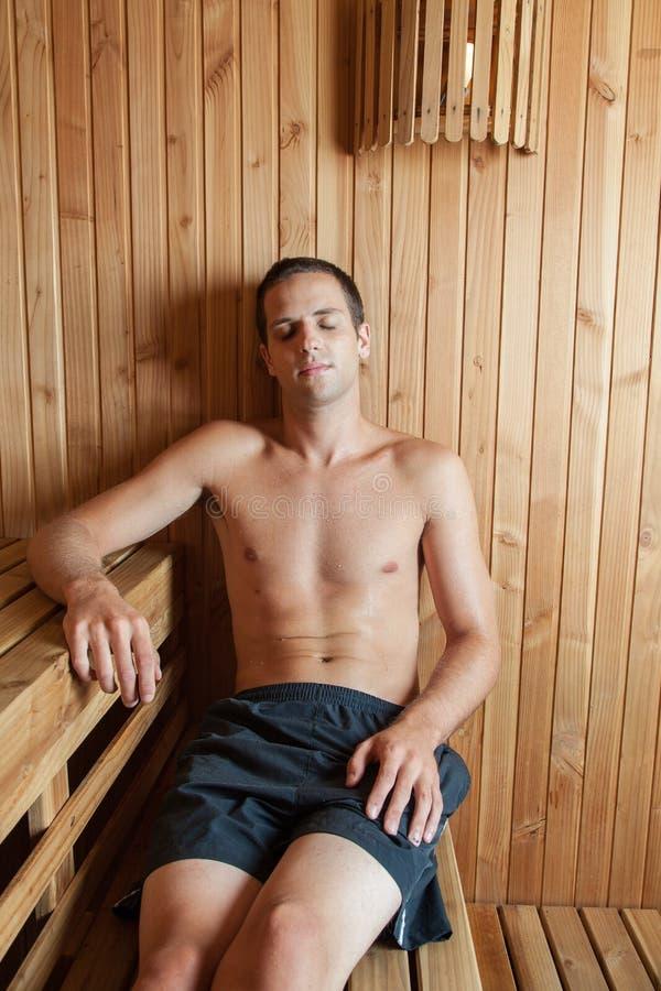 Mężczyzna inside sauna obrazy royalty free