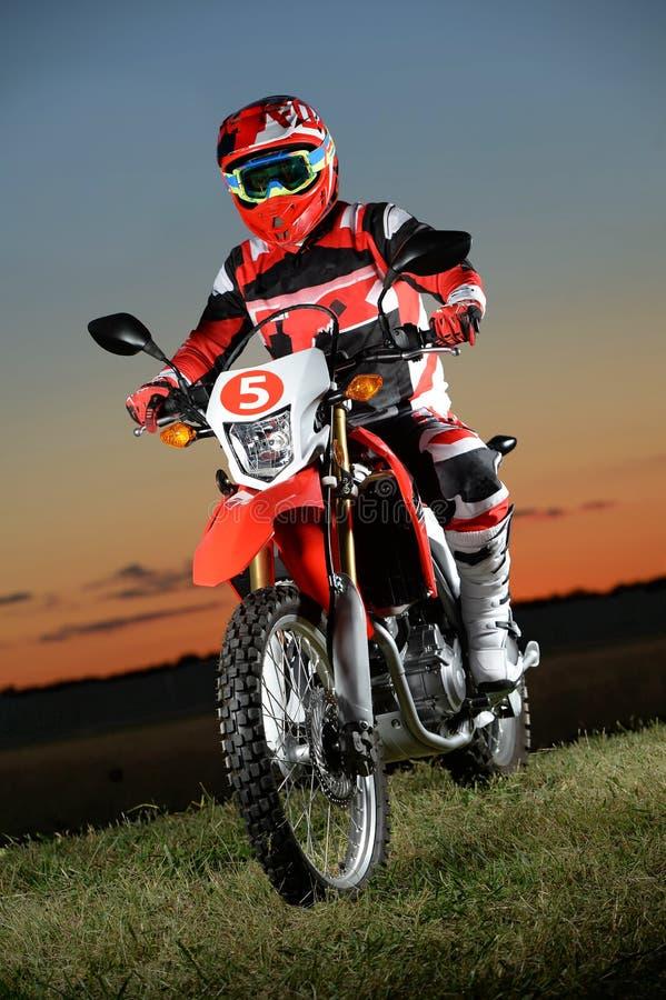 Mężczyzna Jedzie Motocycle zdjęcia royalty free
