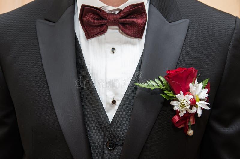 Mężczyzna kostium Kostium, koszula, krawat i buttonhole, fotografia stock