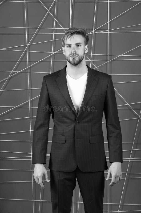 Mężczyzna lub biznesmena odzieży klasyczny zmrok - błękitny kostium Menswear i elegancki garderoby pojęcie buck mody Mężczyzna fo zdjęcie stock