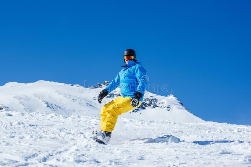 Mężczyzna na snowboard obraz royalty free
