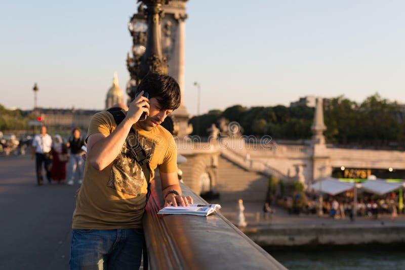 Mężczyzna na wakacjach zdjęcia royalty free