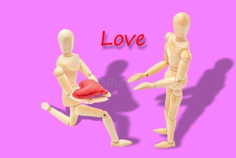 Mężczyzna oznajmia jego miłości kobieta obraz royalty free