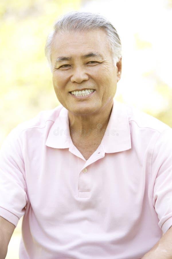 mężczyzna parkowy portreta senior zdjęcie royalty free