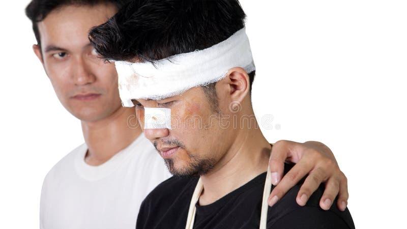 Mężczyzna pokazuje empatię dla unfortunated przyjaciela zdjęcia stock