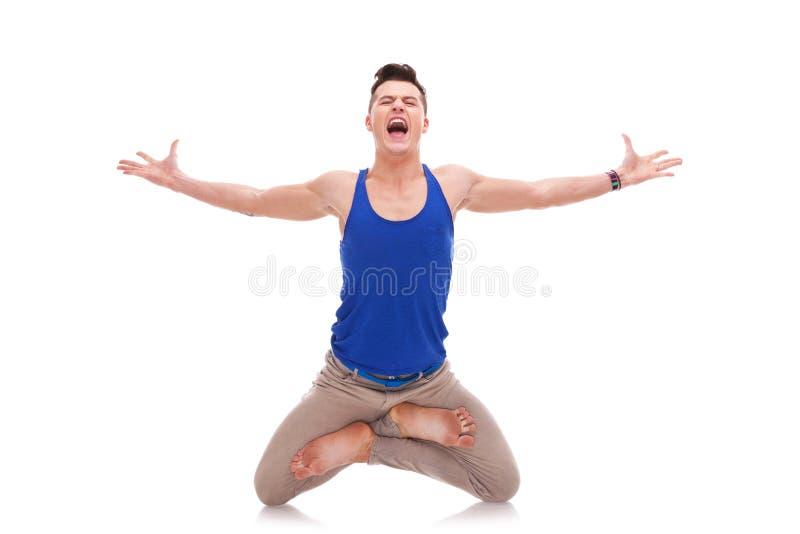 mężczyzna pozyci krzyczący zen zdjęcia stock