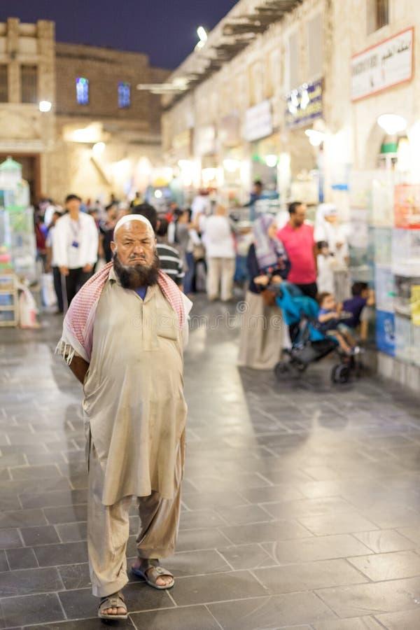 Mężczyzna przy Souq Waqif, Doha zdjęcie royalty free