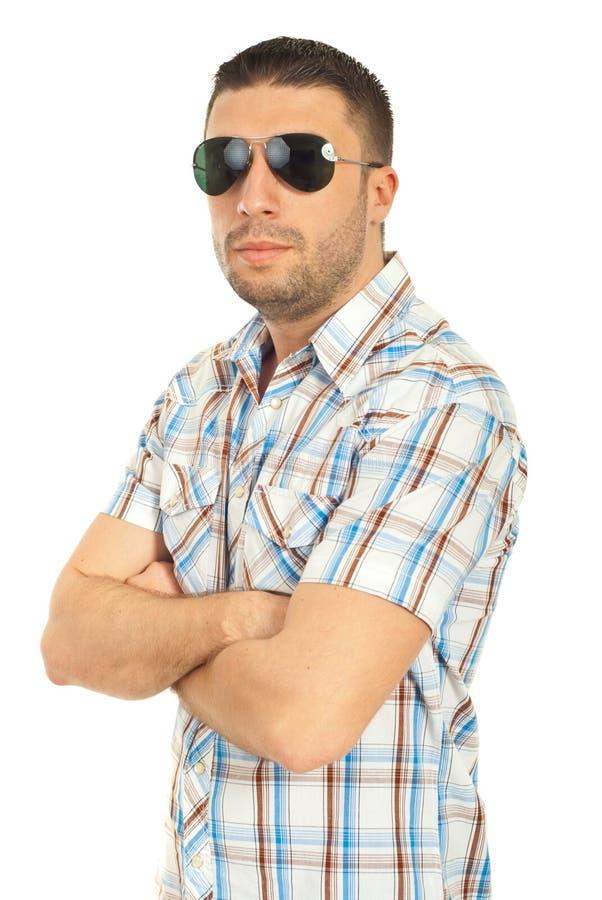 mężczyzna przystojni okulary przeciwsłoneczne fotografia royalty free