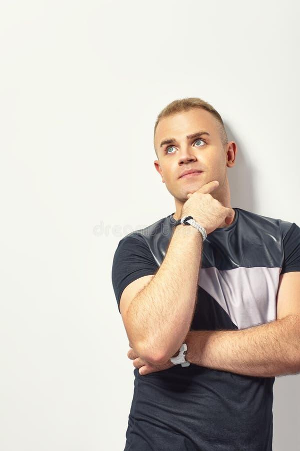 mężczyzna przystojny główkowanie obrazy stock