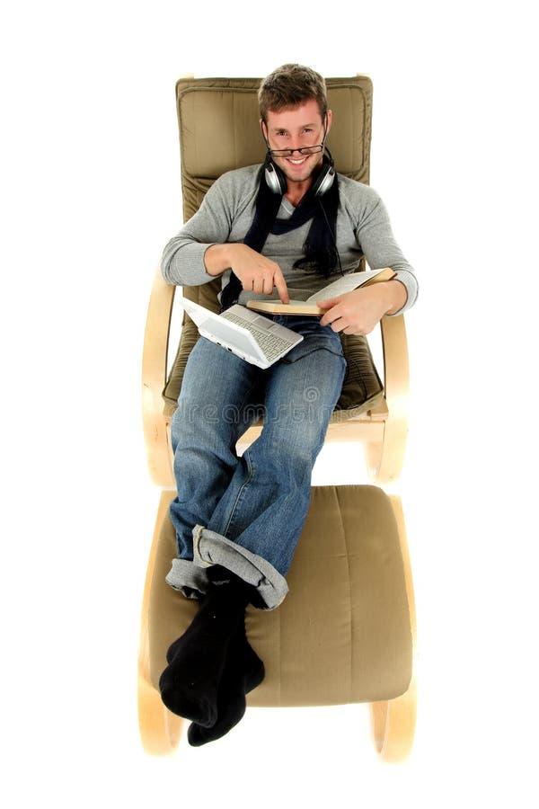 mężczyzna relaksujący widowisk czas potomstwa fotografia royalty free