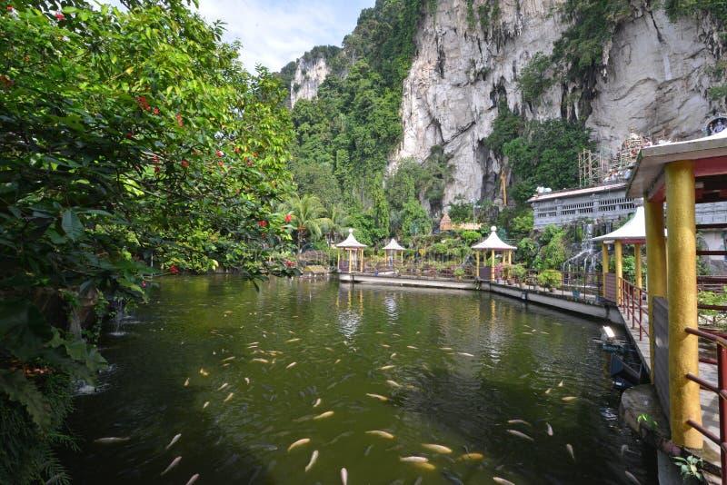 Mężczyzna robić jezioro @ Batu Zawala się obraz royalty free