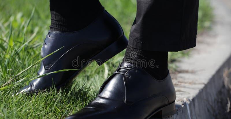 Mężczyzna ` s skarpety z butami zdjęcia royalty free