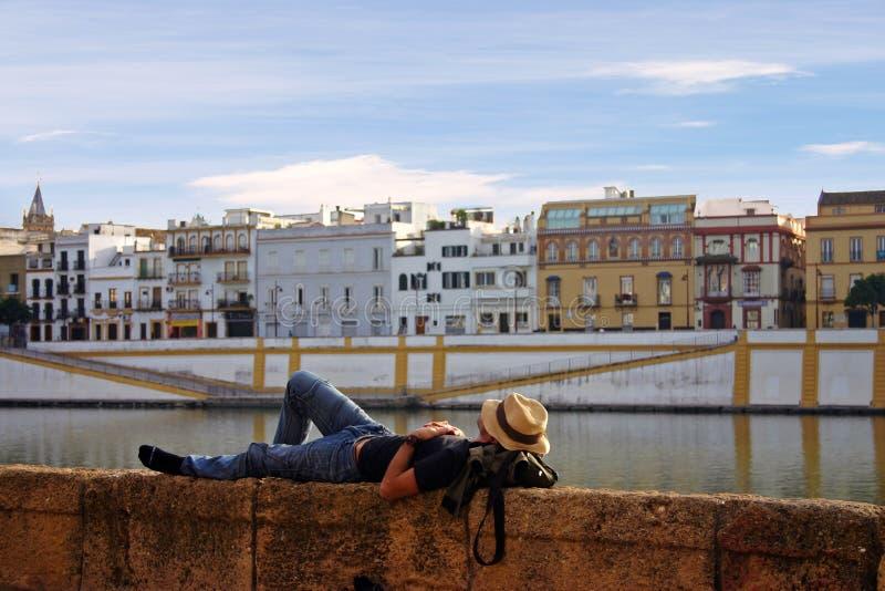 mężczyzna sen ściana zdjęcia royalty free