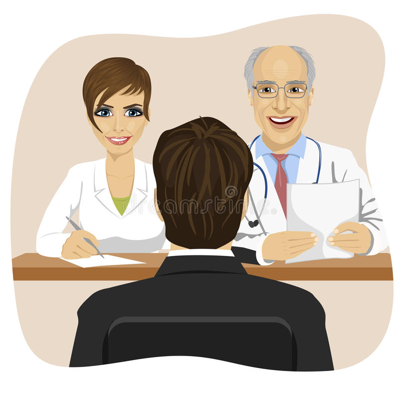 Mężczyzna siedzi naprzeciw dojrzałej lekarki z pomocniczym obsiadaniem przy biurowym biurkiem ilustracja wektor