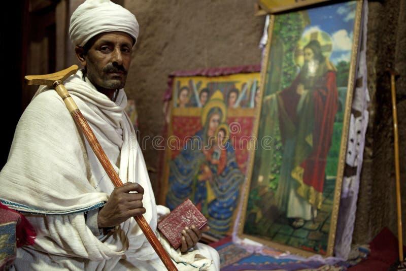 Mężczyzna siedział w kościół, Lalibela zdjęcie royalty free