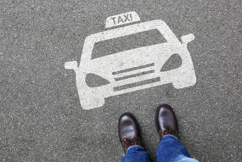 Mężczyzna taxi taksówki ikony znaka loga samochodowego pojazdu ulicznego drogowego traff ludzie zdjęcia stock