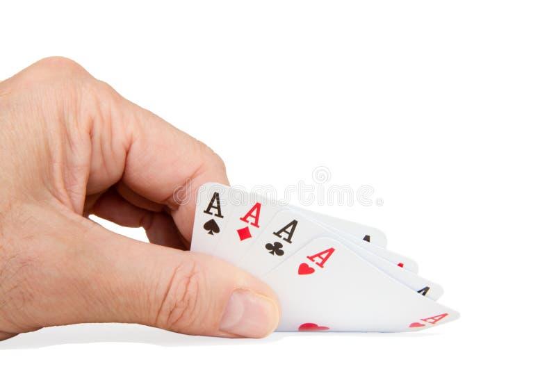 Mężczyzna trzyma karty do gry zdjęcie stock