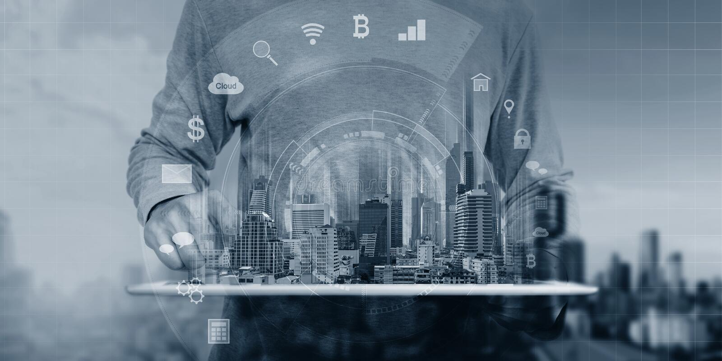 Mężczyzna używa cyfrowe pastylki i interfejsu holograma technologii zastosowania ikony zdjęcia stock