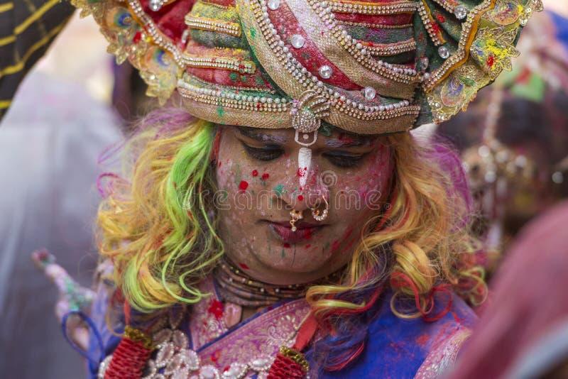 Mężczyzna Ubierał jako władyka Krishna przy Nandgaon świątynią podczas Holi festiwalu, Uttarpradesh, India zdjęcie stock