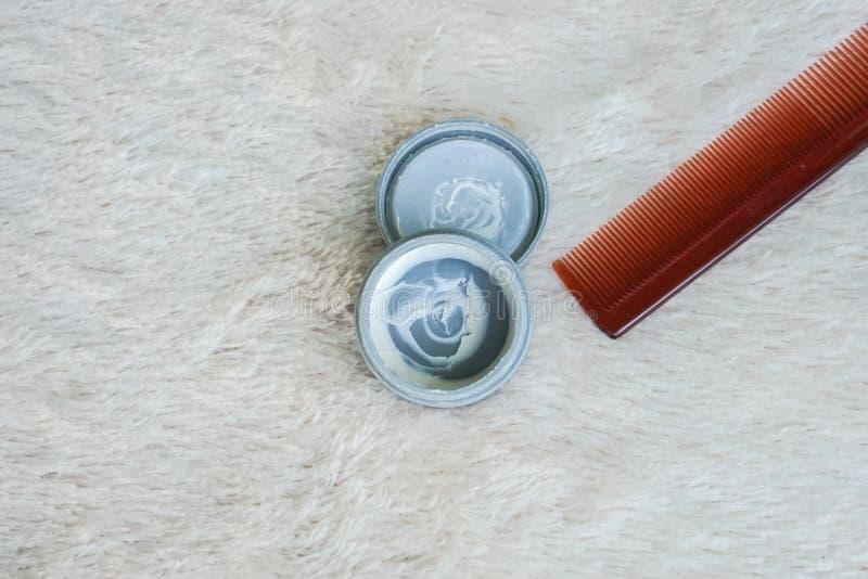 Mężczyzna włosiany wosk z gręplą dla fryzury fotografia royalty free