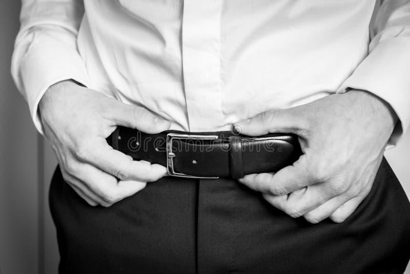 Mężczyzna w białym cufflink i koszula fotografia stock