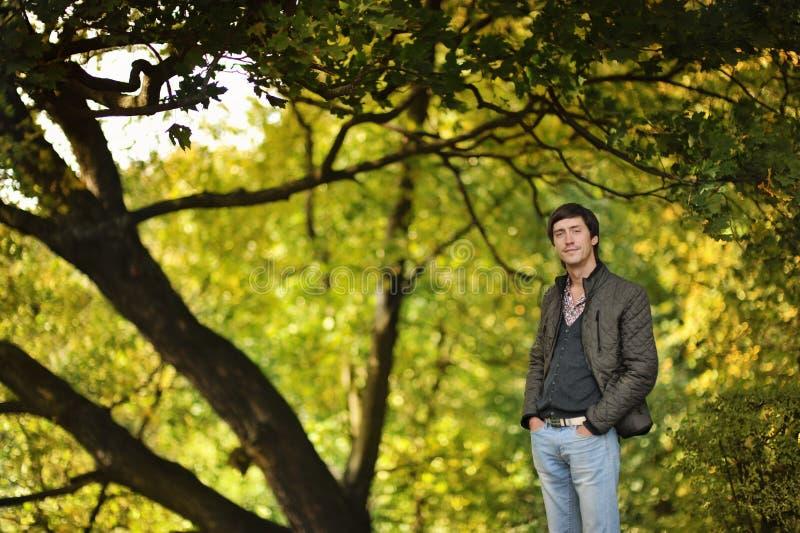 Mężczyzna w drewnach obraz royalty free