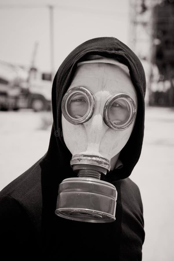 Mężczyzna w gasmask obrazy stock