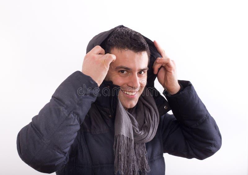 Mężczyzna w kurtce z kapiszonem zdjęcia royalty free