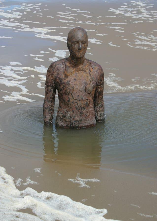 Mężczyzna w morzu zdjęcia royalty free