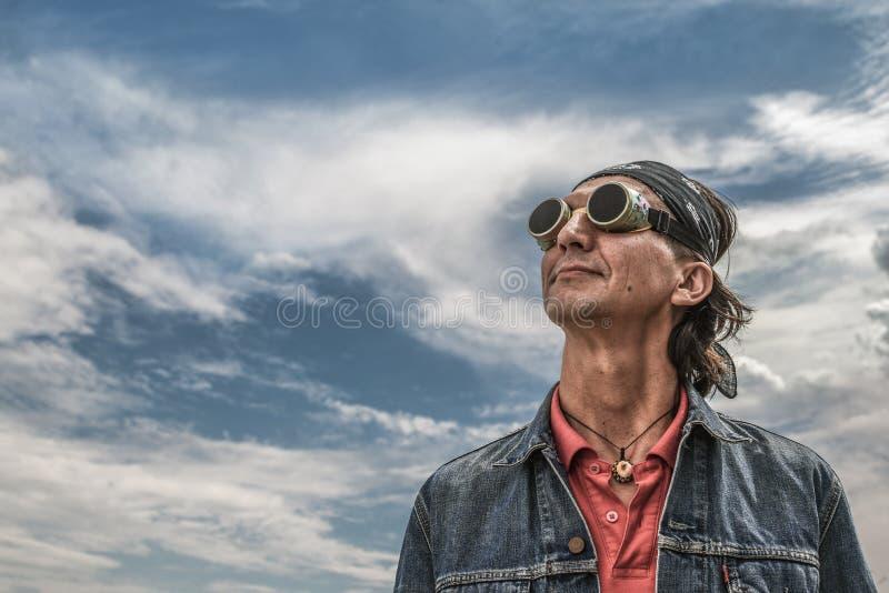 Mężczyzna w Retro spawalniczych gogle zdjęcie royalty free