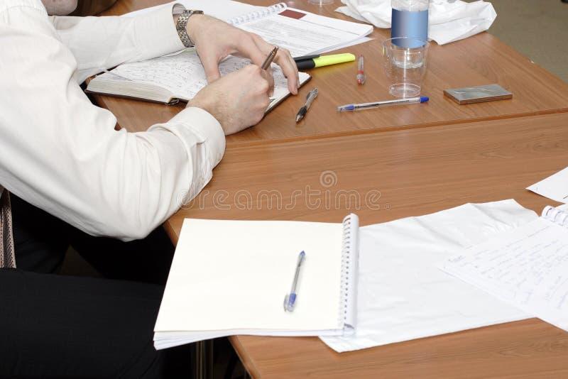 mężczyzna writing obraz stock