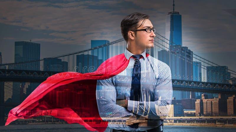 Mężczyzna z czerwieni pokrywą w super bohatera pojęciu zdjęcie stock