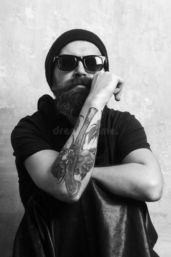 Mężczyzna z długą brodą i wąsy obrazy royalty free