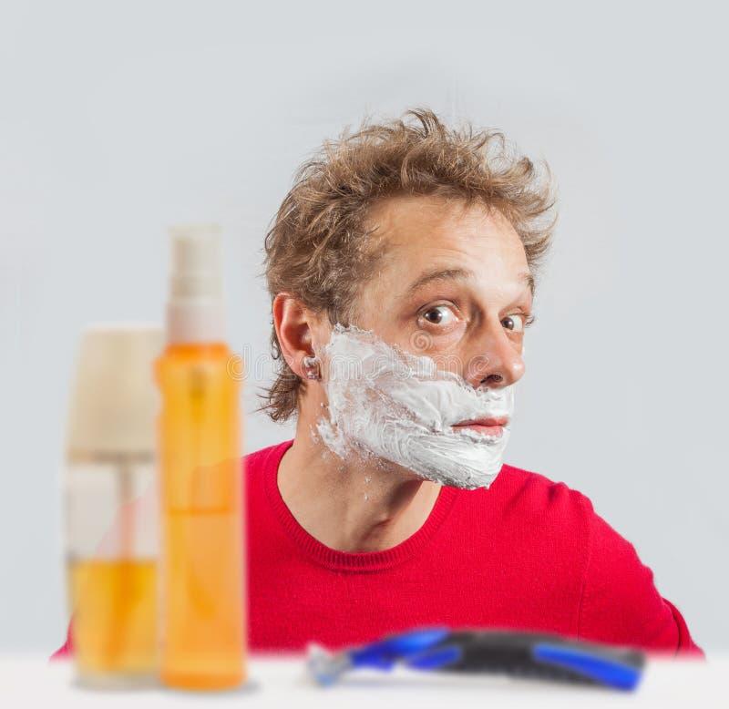 Mężczyzna z golenie śmietanką fotografia royalty free