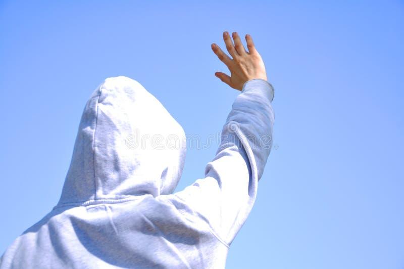 Mężczyzna z jego prawą ręką w górę obrazy stock
