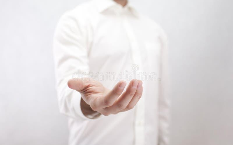 Mężczyzna z otwartą ręką zdjęcia royalty free