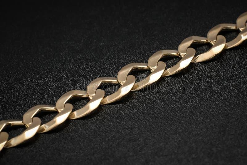 Mężczyzny kubańczyka połączenia stałego złota bransoletka zdjęcie stock