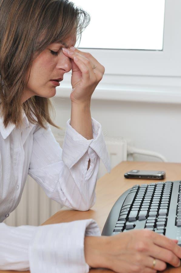 męcząca migreny biznesowa osoba obrazy stock