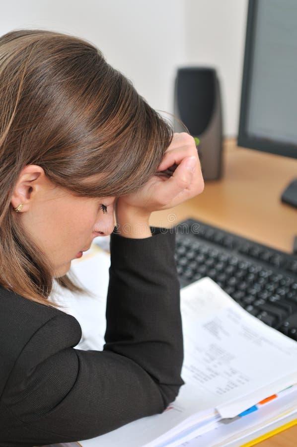 męcząca przygnębiona biznes osoba obraz stock