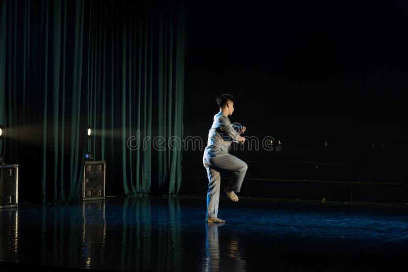 Męscy nauczyciele w republice Chiny 11--Tana dramata osioł dostaje wodnym zdjęcie royalty free