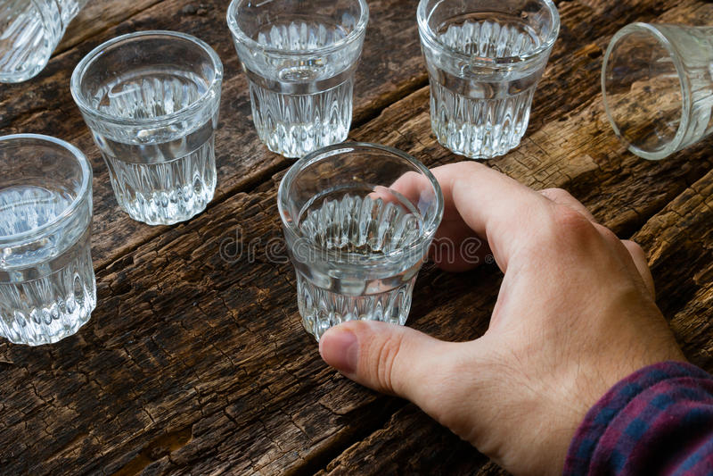 Męska alkoholiczka zdjęcia royalty free