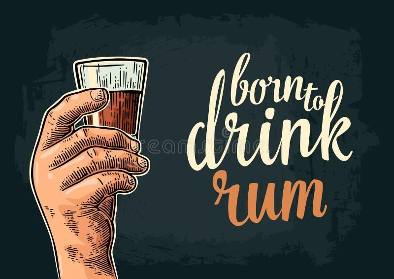 Męska ręka trzyma szklanego rum Urodzony pić ilustracja wektor