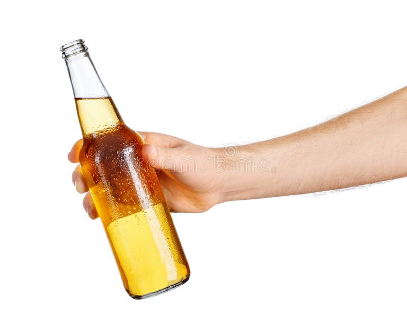 Męska ręka z piwną butelką obraz royalty free