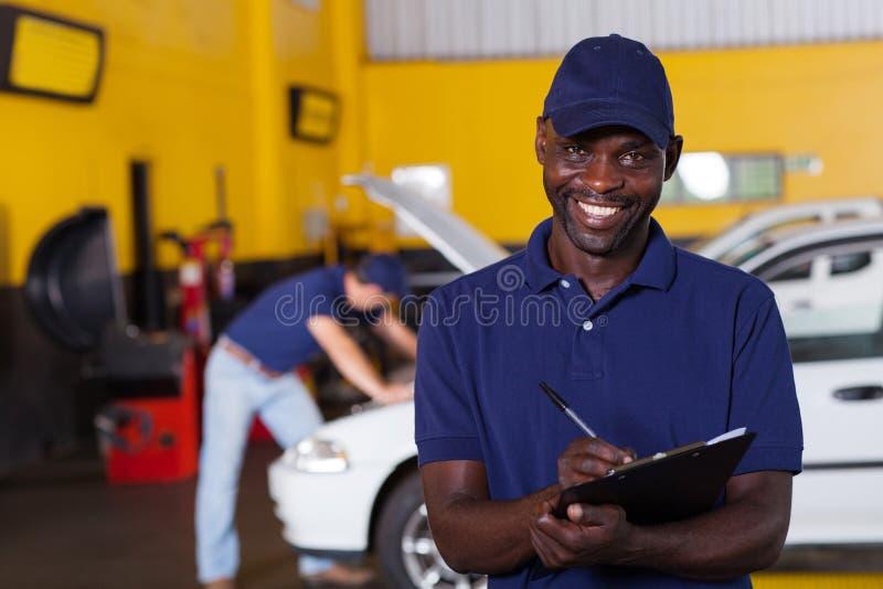 Afrykański pojazdu mechanik obrazy stock